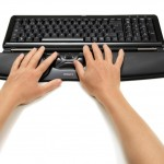 Contour_RollerMouse_Free2_black_front_angled_hands_72dpi