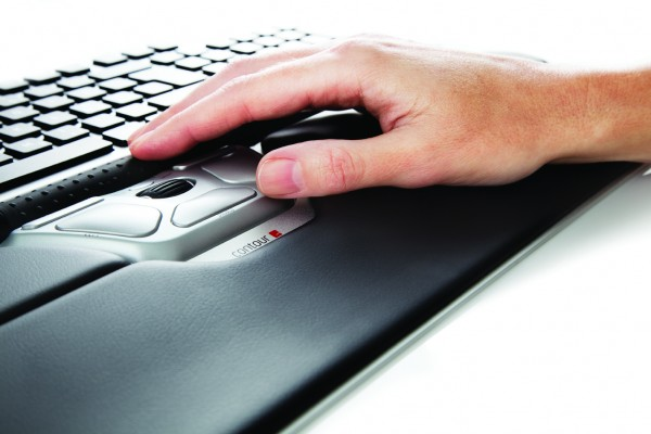 Contour_RollerMouse_RedPlus_detail_one_hand_72dpi