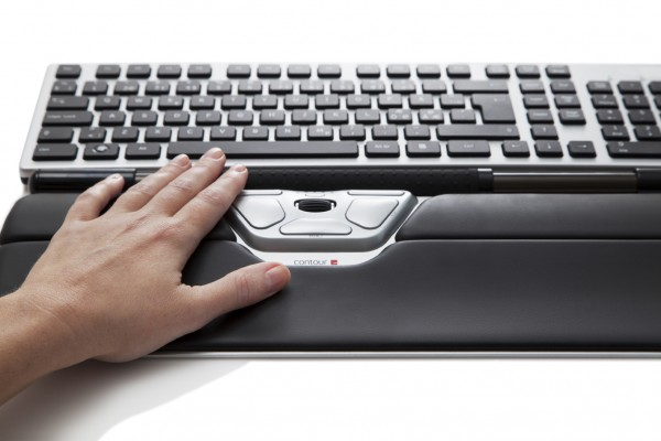 Contour_RollerMouse_RedPlus_front_detail_one_hand_72dpi