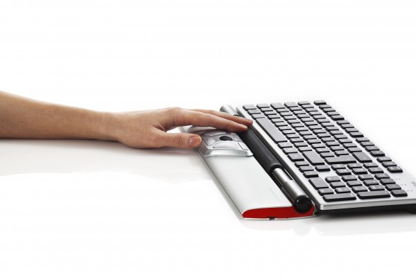 Contour_RollerMouse_Red_perspective_one_hand_keyboard_black_keys_300dpi